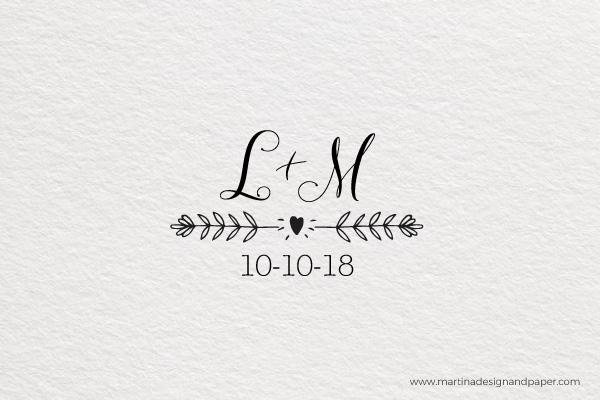 sello de madera para personalizar boda con iniciales