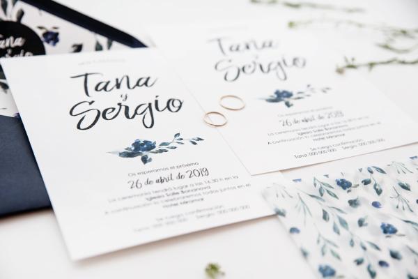 invitacion de boda original azul