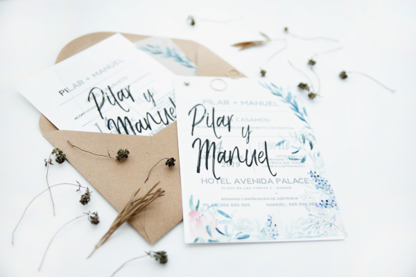 invitacion-de-boda-original-color-azul-turquesa