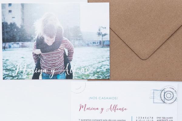 invitacion-de-boda-tipo-postal-de-viaje-original