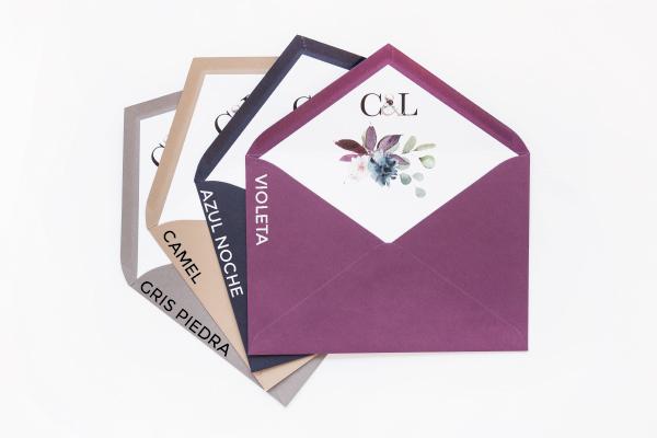 invitaciones-de-boda-con-sobre-forrado-elegante