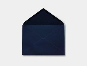 Sobre azul para invitacion de boda