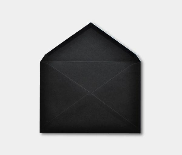 Sobre de invitacion en negro barato